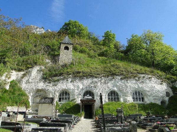 Eglise troglodytique de Haute Isle