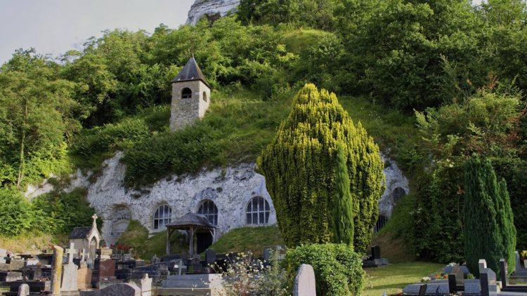 Sauvons nos monuments : l'église troglodytique d'Haute-Isle, un secret bien gardé en bord de Seine