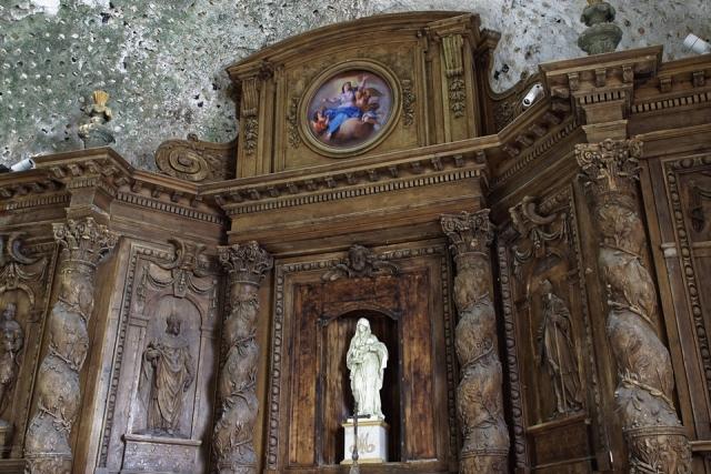 Retable avec toile de la Vierge et l'enfant restauré