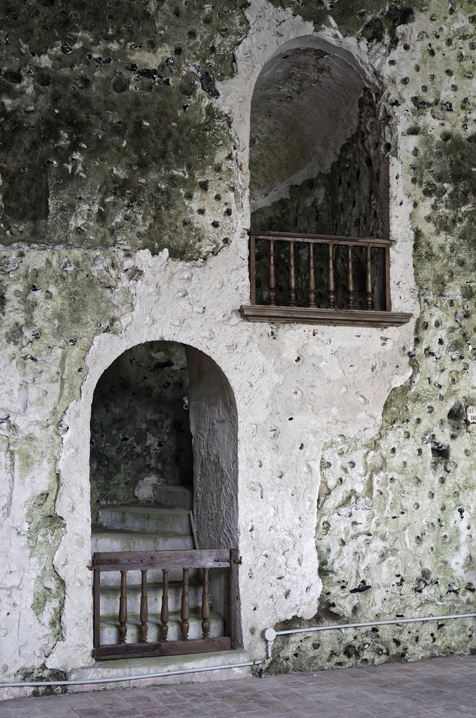 Chaire creusée à l'intérieur de l'Eglise troglodyte