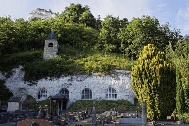 Photo de notre Eglise troglodyte de Haute Isle - Panorama extérieur
