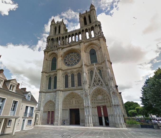 Mantes La Jolie Lance Un Appel Aux Dons Pour Financer La Restauration De Sa Collégiale Association Pour Le Partage De Notre Eglise Troglodyte