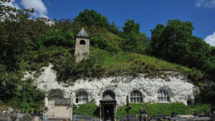 L'unique église troglodyte d'Île-de-France